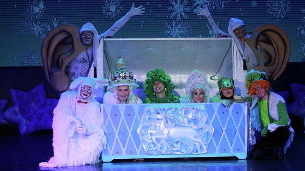 Спектакль Новогодний кураж или сундук Деда Мороза