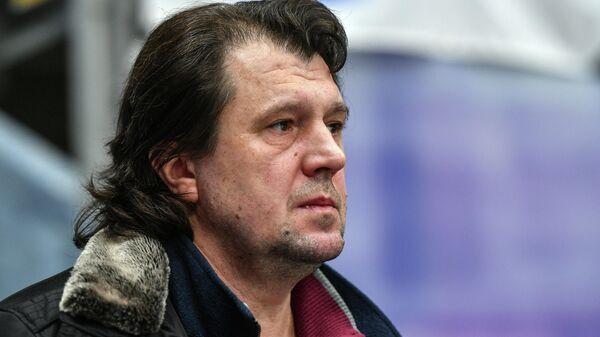 Тренер Артур Дмитриев