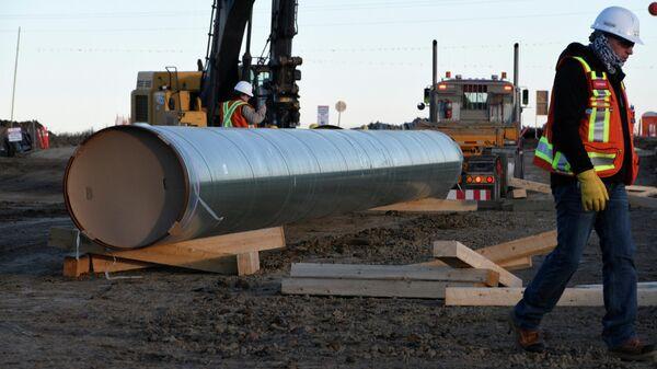Строительство нефтепровода Trans Mountain в Ачесоне. Альберта, Канада