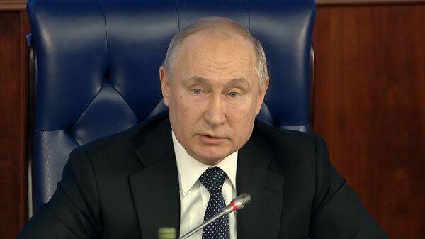 «Свинья антисемитская»: Путин о поддержавшем Гитлера посла Польши