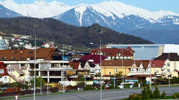 Вид на горы с территории Олимпийского парка в Сочи