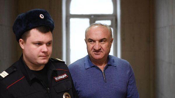 Рауль Арашуков перед началом заседания Басманного суда города Москвы. 26 декабря 2019