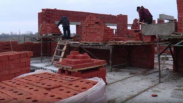 Стоп-кадр видео строительства школы в селе Дракино Торбеевского района