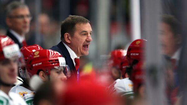 Главный тренер молодежной сборной России Валерий Брагин во время матча 1/4 финала молодежного чемпионата мира по хоккею между сборными командами Швейцарии и России.