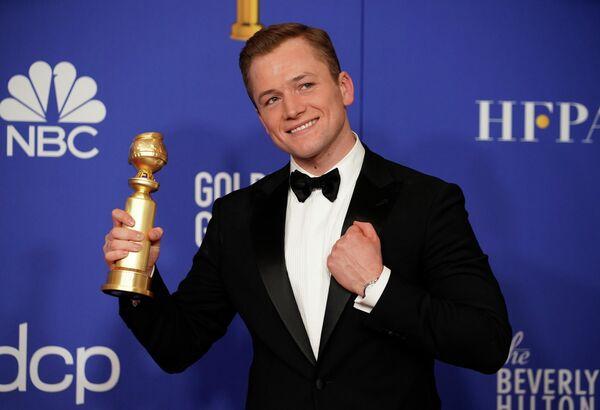 Тэрон Эджертон получил награду в категории Лучшая мужская роль в комедии/мюзикле за фильм Рокетмен