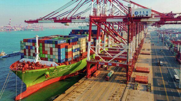 Порт Циндао, Китай