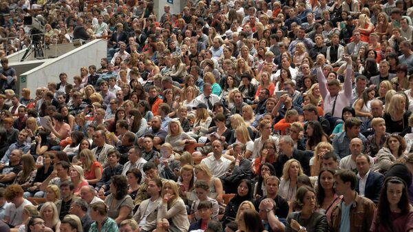 Зрители на концерте СКК Петербургский