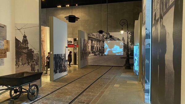 Посетители мемориального комплекса истории Холокоста Яд ва-Шем