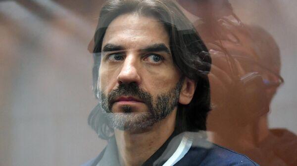 Михаил Абызов во время рассмотрения ходатайства следствия о продлении срока его ареста в Басманном суде