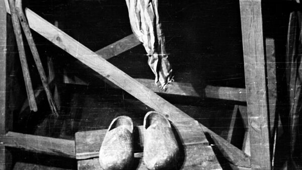 Освенцим. Скамья для экзекуций