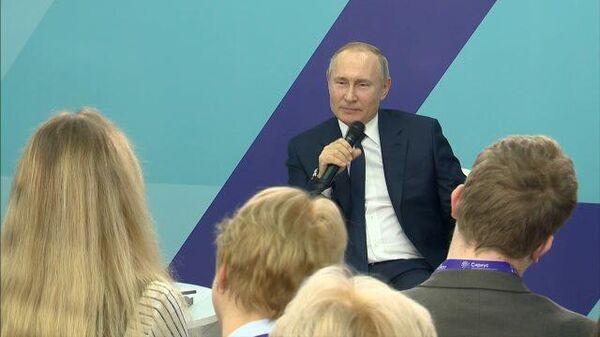 А чего он понимает в искусстве-то? Путин пошутил о знаниях Кудрина