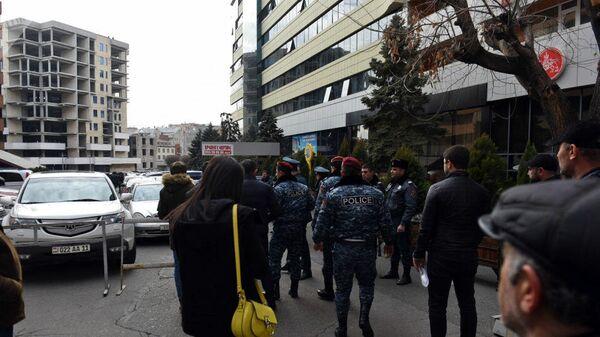 Ситуация у здания Эребуни-плаза в Ереване. 23 января 2020
