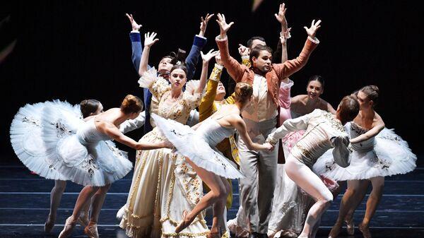 Выступление артистов на гала-открытии VII Санкт-Петербургского международного культурного форума на новой сцене Мариинского театра