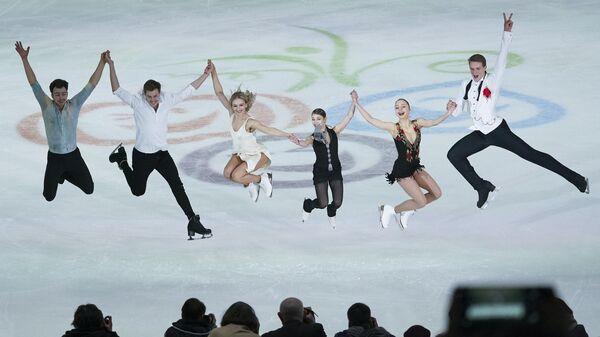 Дмитрий Алиев, Никита Кацалапов, Виктория Синицина , Алёна Косторная, Александра Бойкова и Дмитрий Козловский (слева направо)