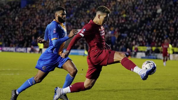 Soccer Football - FA Cup Fourth Round - Shrewsbury Town v Liverpool - Montgomery Waters Meadow, Shrewsbury, Britain - January 26, 2020  Liverpool's Roberto Firmino in action   REUTERS/Andrew Yates