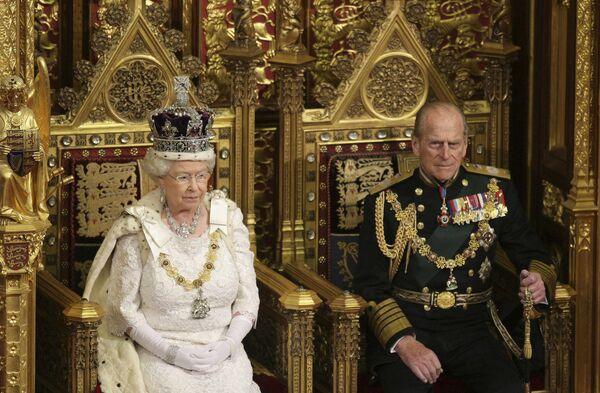 Королева Великобритании Елизавета II  выступила с тронной речью