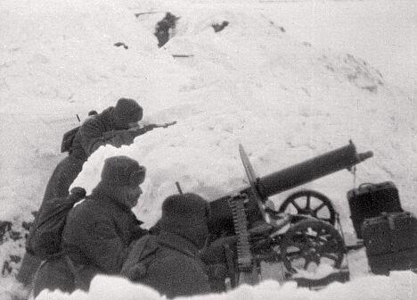 Пулеметчики в бою