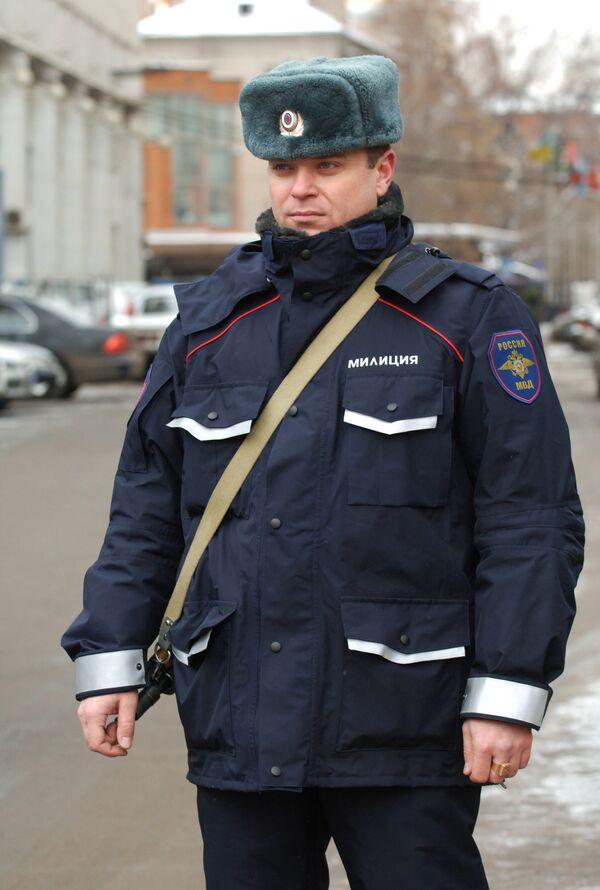 Московская милиция накануне Рождества усилила охрану храмов