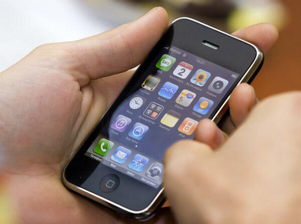 Мобильный телефон iPhone 3G