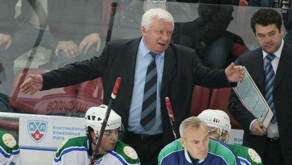 Главный тренер команды Салават Юлаев Сергей Михалев.