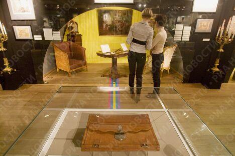 Открытие выставки к 200-летию Н.В.Гоголя