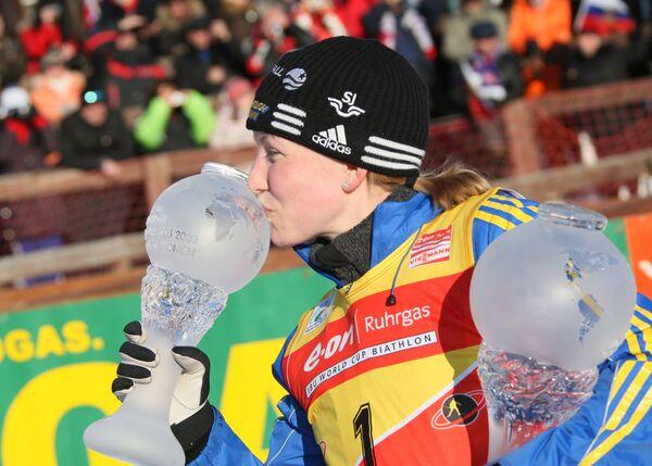 Шведская биатлонистка Хелена Юнссон