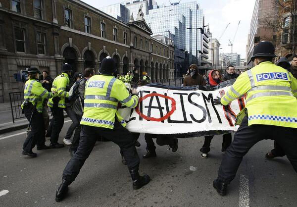 Акция протеста в канун начала саммита G20 в Лондоне
