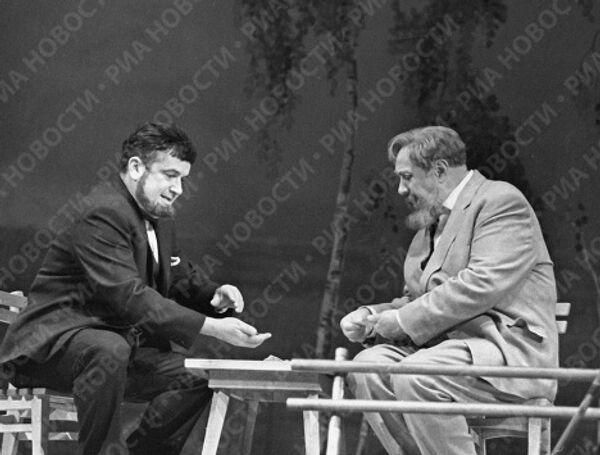 Михаил Жаров и Евгений Весник