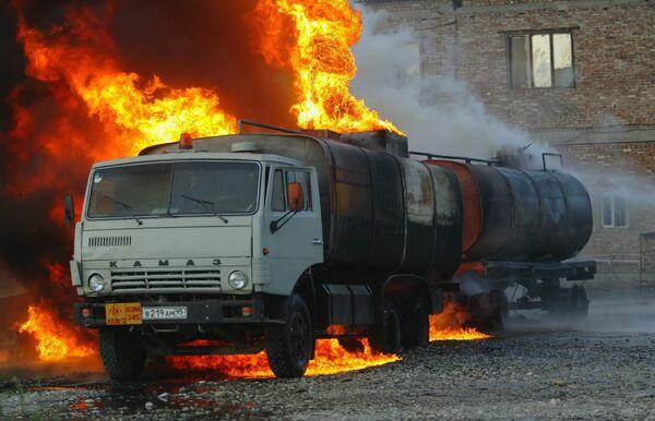 Пожар на автозаправочной станции Ладья в Грозном