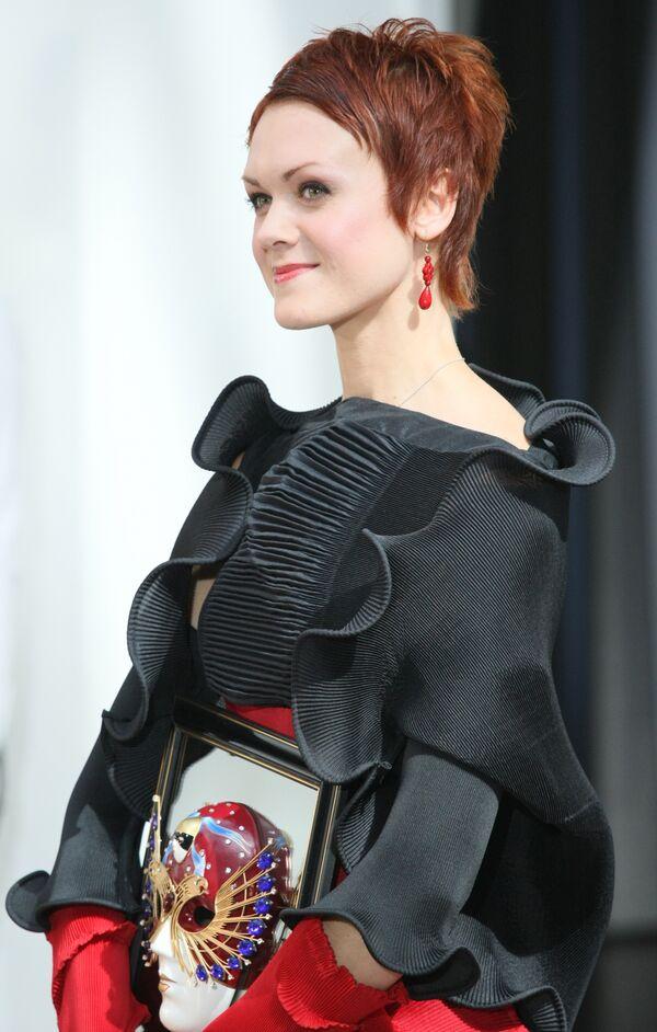 Балерина Ульяна Лопаткина во время торжественной церемонии вручения премии Золотая Маска