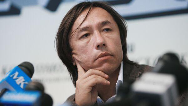 Р.Давлетьяров на пресс-конференции