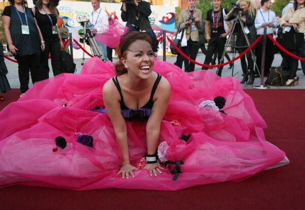 Сюзанна Георги (Андорра) на официальном открытии конкурса Евровидение-2009 в Евродоме
