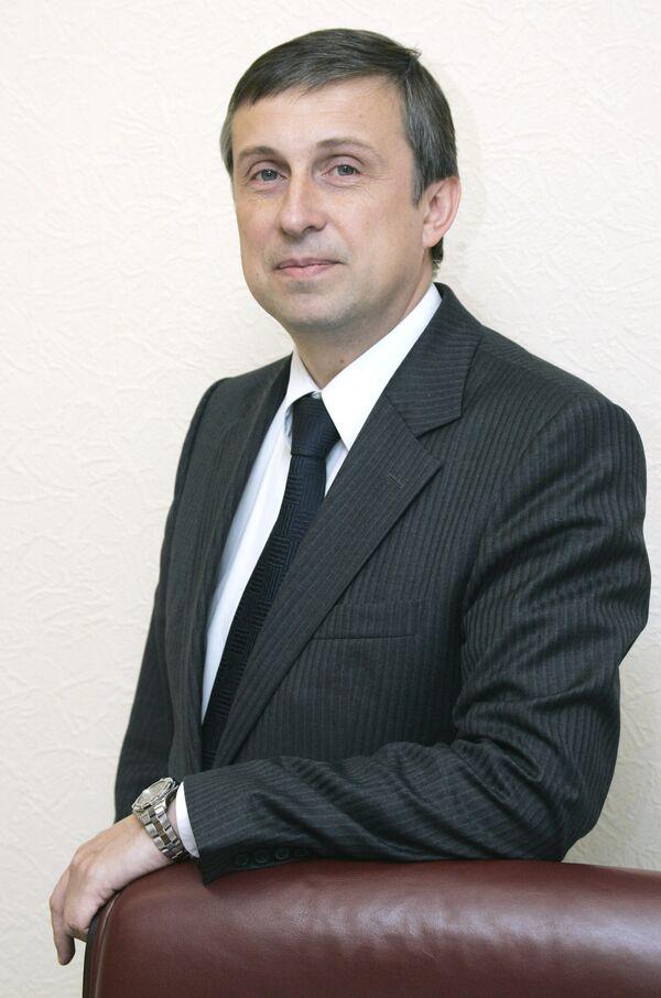 В.Миловидов