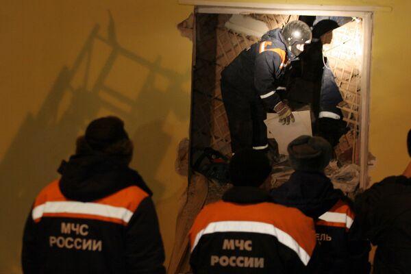 Найдено тело второго погибшего при обрушении лесов на стройке в Москве