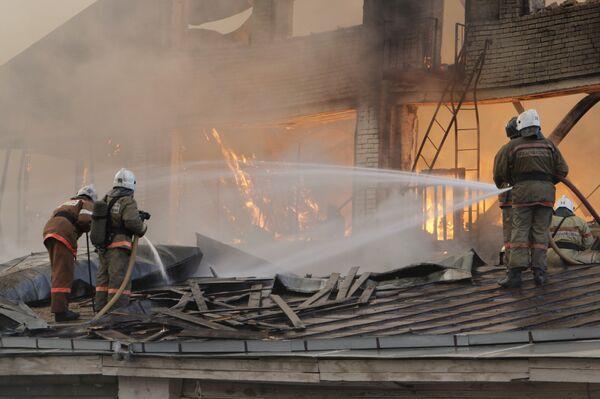 Крупный пожар в административном здании в центре Москвы