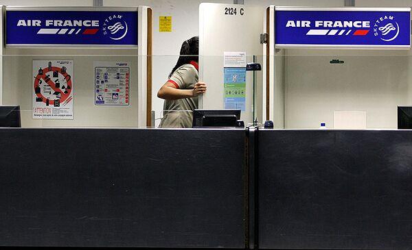 Рейс AF 447 вылетел из Рио-де-Жанейро по расписанию и должен был приземлиться в аэропорту Шарля де Голля в 13.15 мск