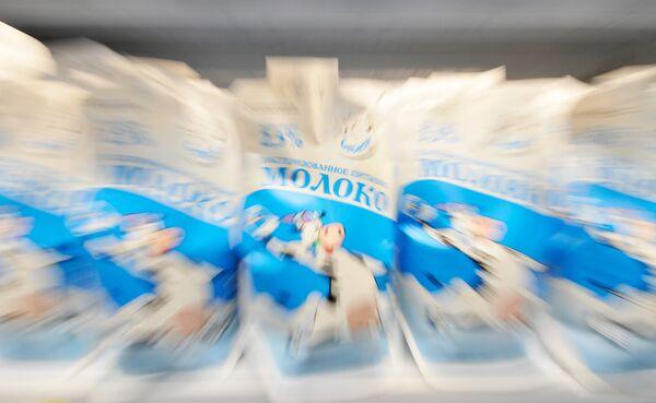 Белоруссия возобновила поставки в Россию молочной продукции - Онищенко
