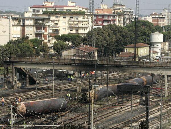 Взрыв газовых цистерн на вокзале города Виареджо в Италии