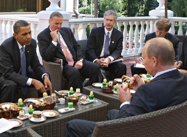 Премьер-министр РФ В.Путин встретился с президентом США Б.Обамой