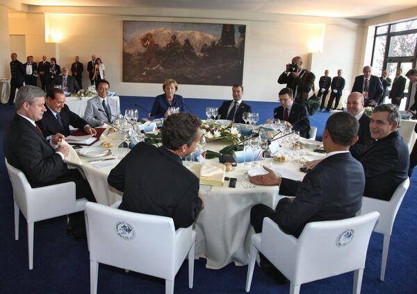 Президент России Д.Медведев на саммите большой восьмерки-2009