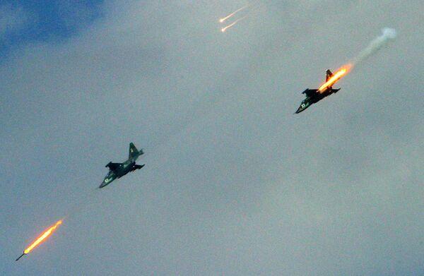 Самолеты Су-25  на учениях Щит Союза. Архив