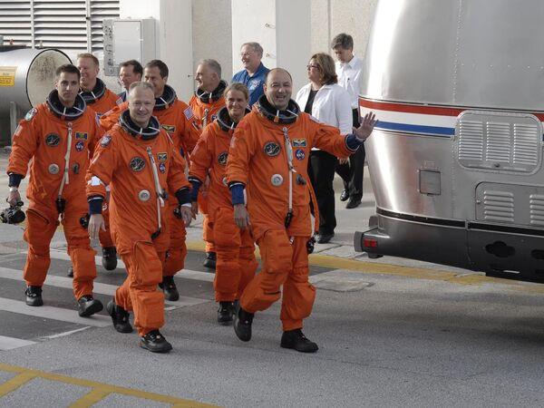 Подготовка к запуску шаттла Индевор (Endeavour)