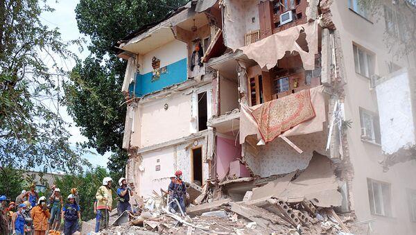 На месте обрушения общежития в Ленинском районе Астрахани