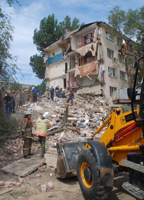 Общежитие обрушилось в Астрахани