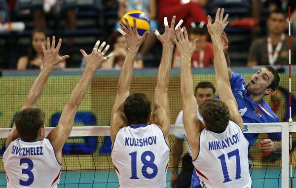 Сборная России по волейболу в полуфинале Мировой лиги в Белграде.