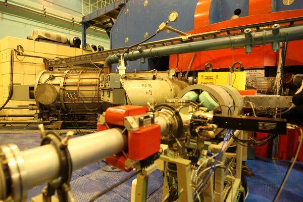Изохронный циклотрон У-400М