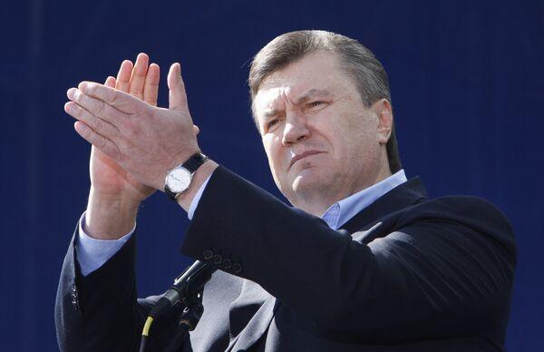 Янукович обещает не допустить фальсификаций на выборах президента