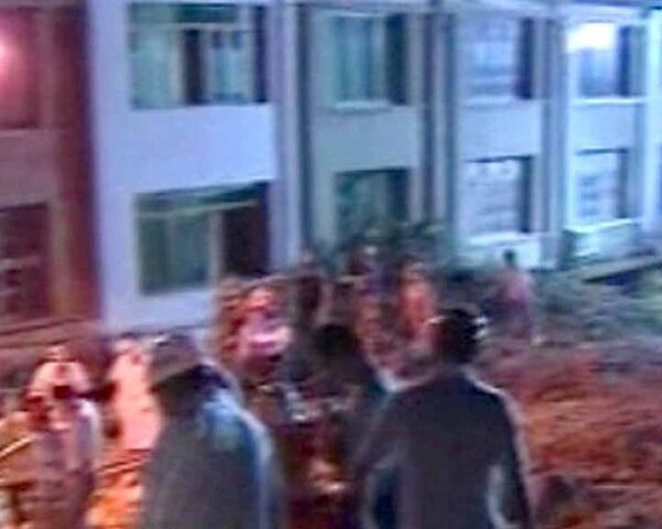 Мощный оползень накрыл жилые дома в Китае. Видео с места