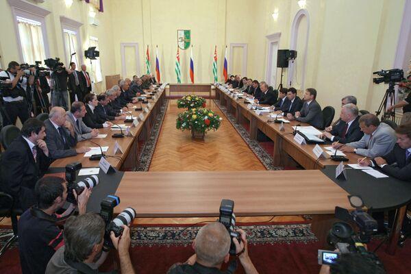 Российско-абхазские межправительственные переговоры в Сухуми