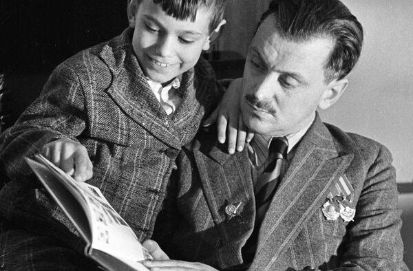 На книгах Михалкова  выросло не одно поколение - Авдеев